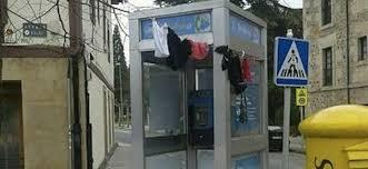 La cabina de teléfono de Aretxabaleta, ¿juego o arte?