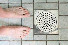 Natural Remedy For Clogged Bathroom Drain by Easy Ways To Use Baking Soda To Unclog Drains