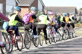 10 Tips for Cycling Safely With Traffic