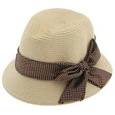 قبعات فخمة للبنات images?q=tbn:ANd9GcT