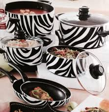 Animal Print Bathroom Sets Uk by Hello Future Cookware This Is Super Cute Zebra And Leopard Print
