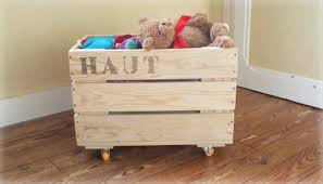 Build Wooden Toy Chest by Diy Pallet Toy Storage Box 99 Pallets