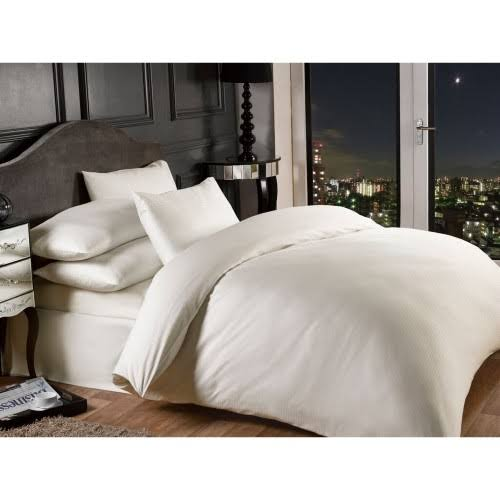 Grosvenor Easy Care 1000 Thread Count King Size Duvet Set