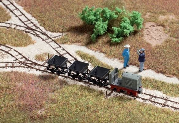 Walthers 949-3007 Light Industrial Rail Track and Car Set