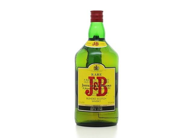 J&B Blended Scotch Whisky - 1.75l