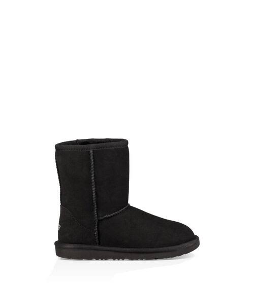 UGG Australia Girls' Classic II Sheepskin Fashion Boots - Black, Size 4 US Big Kid