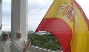 Bandera española ondeando en el Hospital de las Siervas de María (San Juan de Puerto Rico)